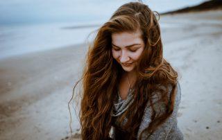 Porträt von Milena Andree mit geschlossenen Augen